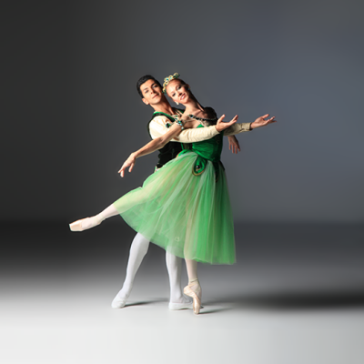 Image of Ricardo Rhodes and Danielle Brown in Emeralds/choreography George Balanchine